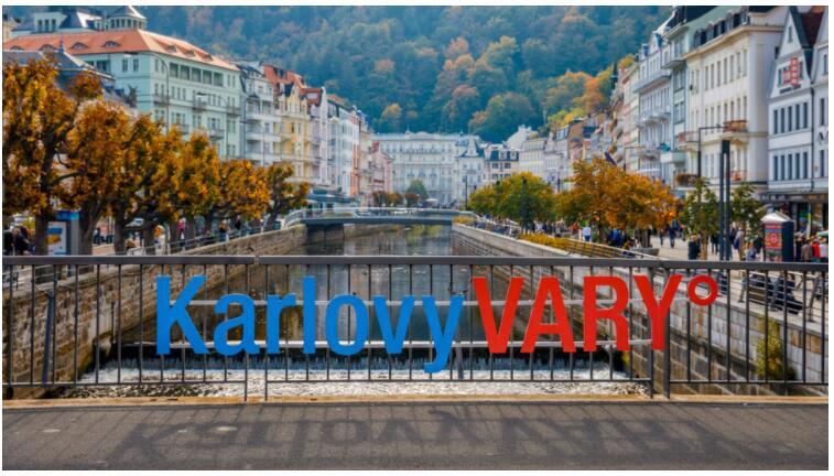 Take a trip from Prague to Karlovy Vary